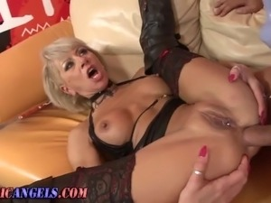 girl in boots gets anal
