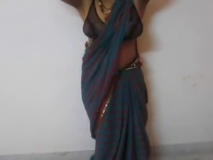 Indian sexy aunty boobs