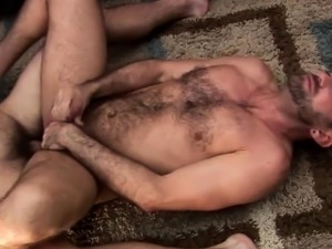 Buff bear gets facial after cumming