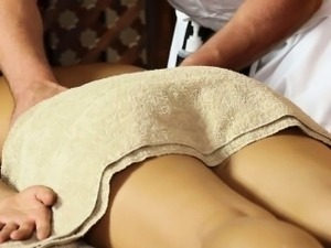 japanese girl hien massage