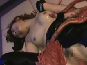 xxx girls alien birth