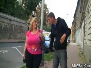 bbw rubs her tits video