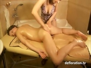 girlfriends defloration sex tapes
