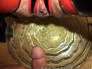 pussy and anal pissing big cum