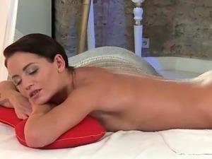hot girls massage free video