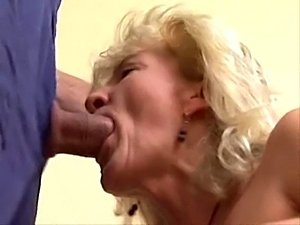 shooting sperm in pussy