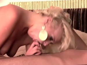 blonde babes free vids