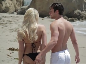 babes and bikini videos