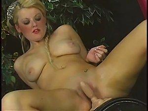 huge sybian orgasm videos