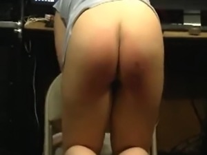 dy spanks daughters pussy