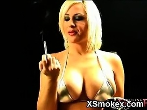 girl anal smoking