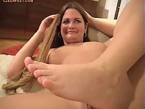 sweaty girl foot lick