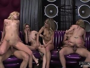 naked twin lesbians videos pics