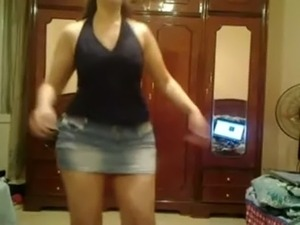 videos of girls in panties dancing