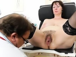 hairy pussy takes big cock