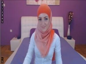 arabian naked girl