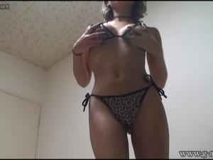 bikini flash pussy