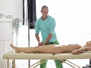 Massage girl sex