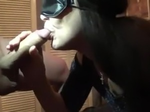 wife shows pussy to strangers tube