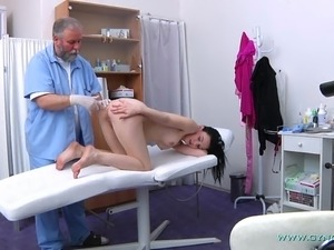 sex doctor show couples