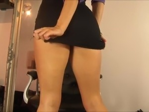 foot worship two sexy girls