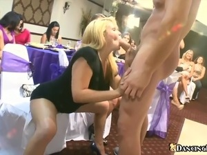 pole dancing naked girls