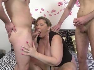 busty mature black asslick xvideo
