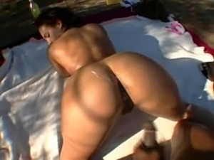 light skinn big butt pornstar