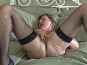naked mother little girl