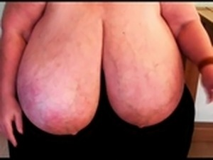 pictures of women with saggy breasts