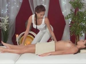 naked massage lesbians