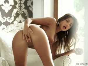 Russian cute model Maria Rya is masturbating after talking on the phone