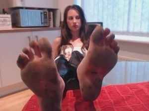 free pictures of beautiful babes feet