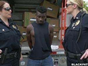 lesbian police vid porn