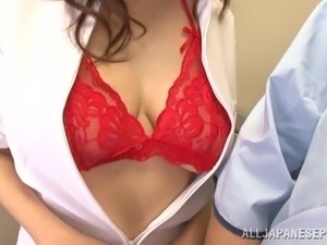 pictures of amateur girls wearing bras