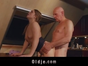 old man lick pussy