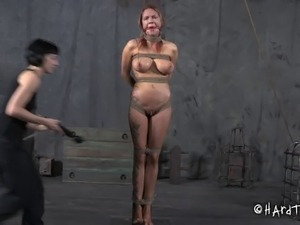 women tortured naked pictures