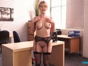 mature sexy secretaries pantyhose