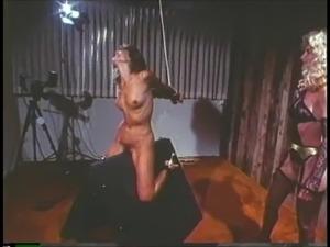Moteris dominavimas Pron
