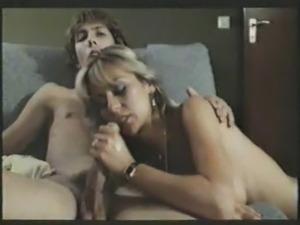 lesbian sucking boobs pics