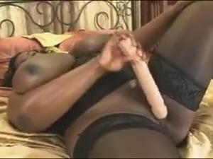 pussy stretchen huge dildos