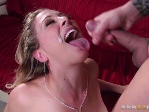 milf lesbians kissing girls