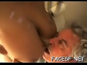 free mature facesitting pics
