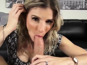 girls who eat cum filled pussy